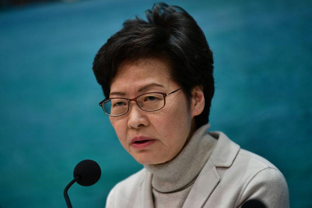 """สหรัฐฯ คว่ำบาตร """"แคร์รี หล่ำ"""" ชี้เป็นผู้ทำลายประชาธิปไตยในฮ่องกง"""